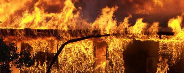 Житель Новосибирска вывел из горящего дома два десятка человек