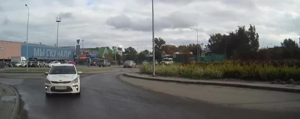 В Новосибирске автомобиль «Ситимобил» выехал на встречку